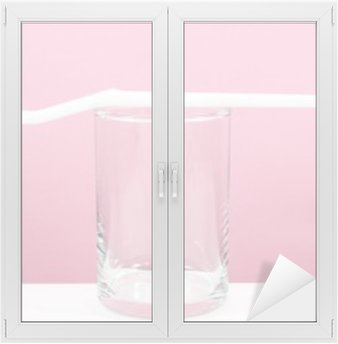 Naklejka na Szybę i Okno Biały szczoteczka z małą szkła do szczotkowania zębów.