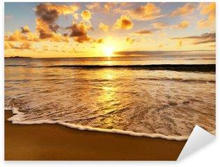 Naklejka Pixerstick Piękny zachód słońca na plaży