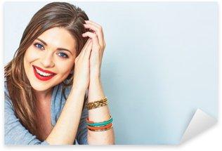 Naklejka Twarz portret uśmiechnięta kobieta. Zęby uśmiechnięta dziewczyna. Jeden model