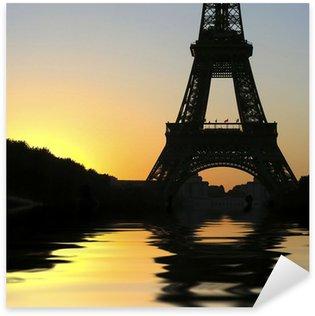 Naklejka Wieża Eiffla i zachód słońca