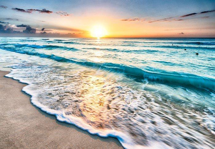 Naklejka Pixerstick Wschód słońca nad plaży w Cancun - Tematy
