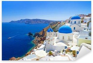 Nálepka Bílá architektura Oia vesnice na ostrově Santorini, Řecko