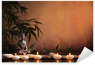 Nálepka Buddha s hořící svíčkou a bambusu