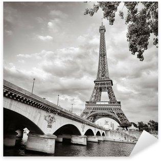 Nálepka Eiffelova věž pohled z formátu řeky Seiny náměstí