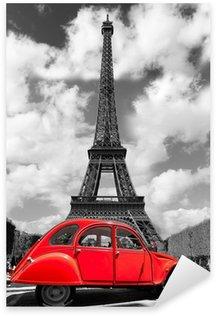 Nálepka Eiffelova věž s červeným staré auto v Paříži, Francie