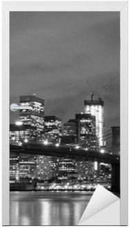 Nálepka na Dveře Brooklyn Bridge a Manhattan Skyline v noci, New York City