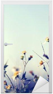 Nálepka na Dveře Klasická fotografie přírodní pozadí s divokými květinami a jinými rostlinami