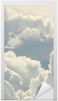 Nálepka na Dveře Modrá obloha a krásné mraky