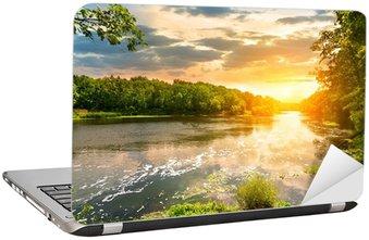 Nálepka na Notebook Západ slunce nad řekou v lese