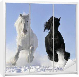 Nálepka na Skříň Bílá a černý kůň