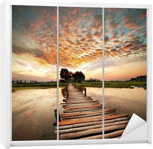Nálepka na Skříň River na západ slunce