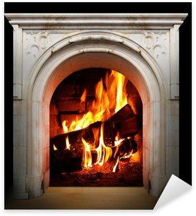Nálepka Pixerstick Vintage ohniště s hořící polena. Obnovitelné zdroje energetické koncepce.