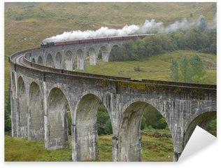 Nálepka Vlak na Glenfinnan viadukt. Skotsko.