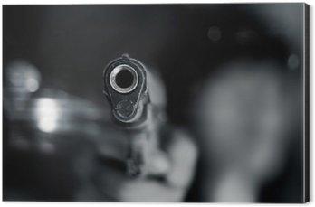Obraz na Aluminium (Dibond) Czarno-biały, kobieta, wskazując stary pistolet w ręku