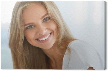 Obraz na Plátně Portrét krásná šťastná žena s bílými zuby s úsměvem. Krása. Vysoké rozlišení obrazu