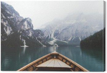 Obraz na Plátně Wood člun v jezeře Braies