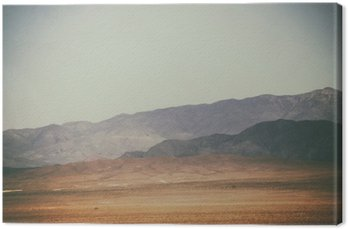 Obraz na Płótnie Bergspitzen und in der Wüste Bergketten