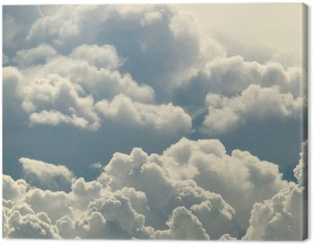 Błękitne niebo i piękne chmury