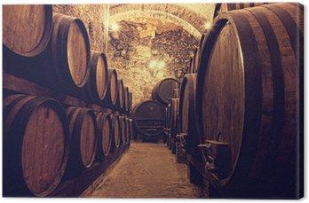 Obraz na Płótnie Drewniane beczki z winem w skarbcu wina, Włochy