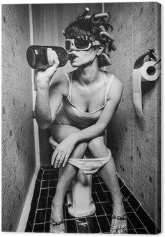 Obraz na Płótnie Dziewczyna siedzi w toalecie