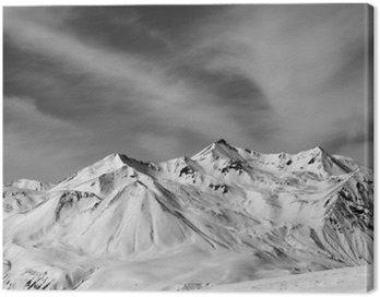 Obraz na Płótnie Góry zimie śniegu w wietrzny dzień