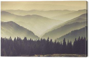 Obraz na Płótnie Krajobraz Misty Mountain wzgórza.
