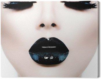 Obraz na Płótnie Moda Uroda model dziewczyna z czarnym makijaż i długie lushes