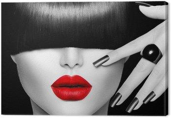 Obraz na Płótnie Modelka dziewczyna z modnych fryzur, makijażu i manicure