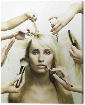 Obraz na Płótnie Modelu i ręce stylistów