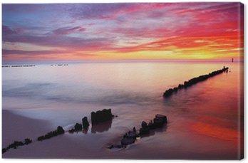Obraz na Płótnie Morze Bałtyckie w pięknym wschodem słońca w plaży Polsce.