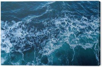 Niebieskie morze tekstury z fal i piany