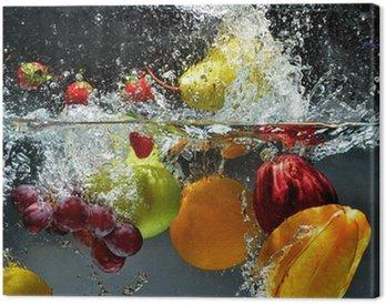 Obraz na Płótnie Owoce i warzywa w wodzie powitalny