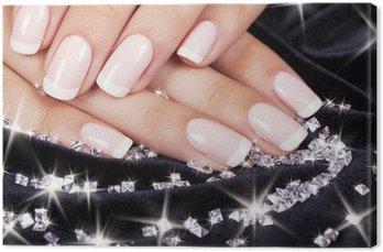Obraz na Płótnie Paznokcie piękne kobiety z francuski manicure i diamenty.