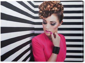 Obraz na Płótnie Piękna młoda kobieta z partii makijażu profesjonalnego