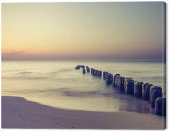 Piękny kolorowy wschód słońca nad Bałtykiem