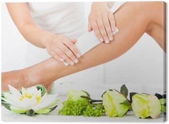 Obraz na Płótnie Powiększający Kosmetyczka nóg kobiety