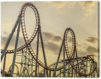 Roller coaster na zachodzie słońca