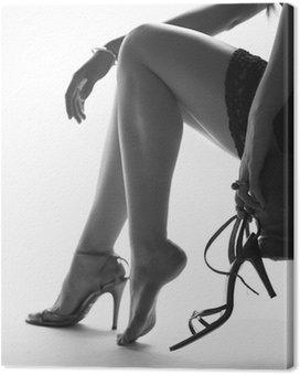 Obraz na Płótnie Sexy nogi młodej kobiety, ze wysokie buty pięty
