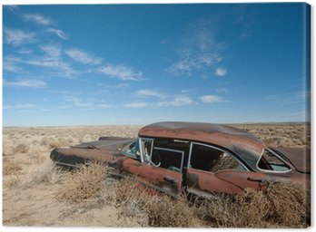 Obraz na Płótnie Stary zardzewiały samochód na środku pustyni w Nowym Meksyku