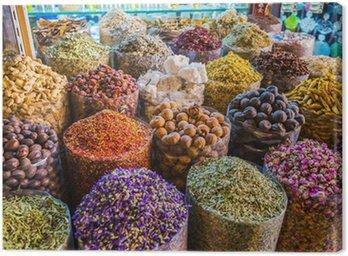 Obraz na Płótnie Suszone zioła, kwiaty, przyprawy w Suk z przyprawami w dzielnicy Deira