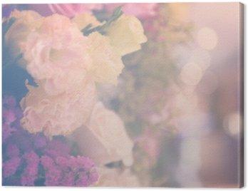 Vintage carnetion i róża bukiet kwiatów miękkie tło