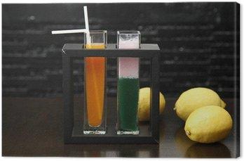 Obraz na Płótnie Zioło mieszane napój z cytryny i ziele.