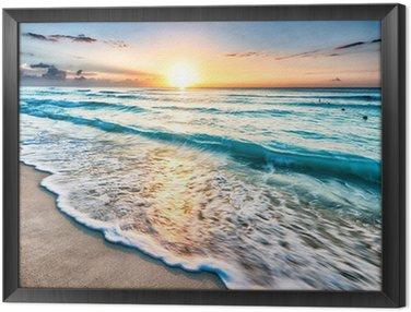 Obraz v Rámu Východ slunce nad pláží v Cancúnu