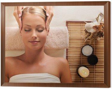 Obraz w Ramie Atrakcyjna kobieta coraz masażu rekreacji głowy
