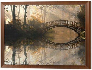 Jesień - Stary most w parku jesienią misty
