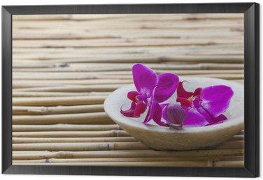 Obraz w Ramie Kobiecość i dobre samopoczucie z kwiatów orchidei