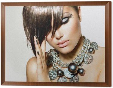Obraz w Ramie Mody glamour piękna dziewczyna z stylowe fryzura i makijaż