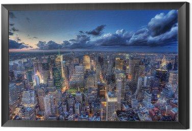 Obraz w Ramie Nowy Jork nocą.