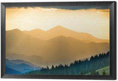 Obraz w Ramie Piękny zachód słońca w górach