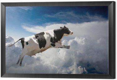 Obraz w Ramie Super krowa latające nad chmurami